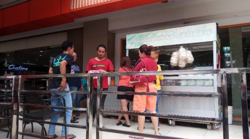 Kamu Pecinta Rujak Sunter Mall ? Sekarang Pindah di Metro Sunter